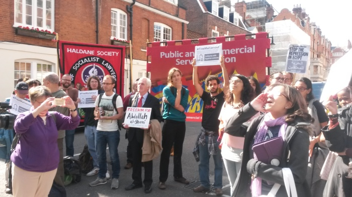protesters_egyptian_embassy_london050614